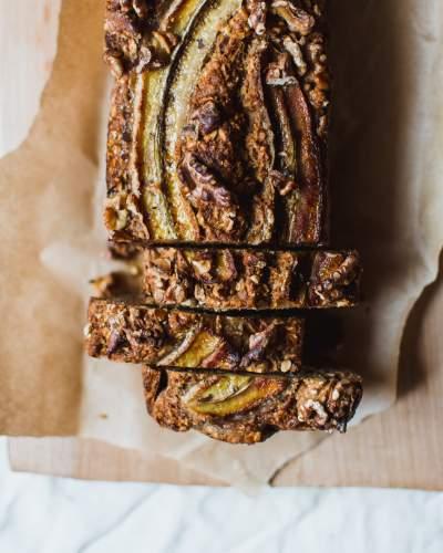 Paleo-vegan banana bread z mandlové mouky