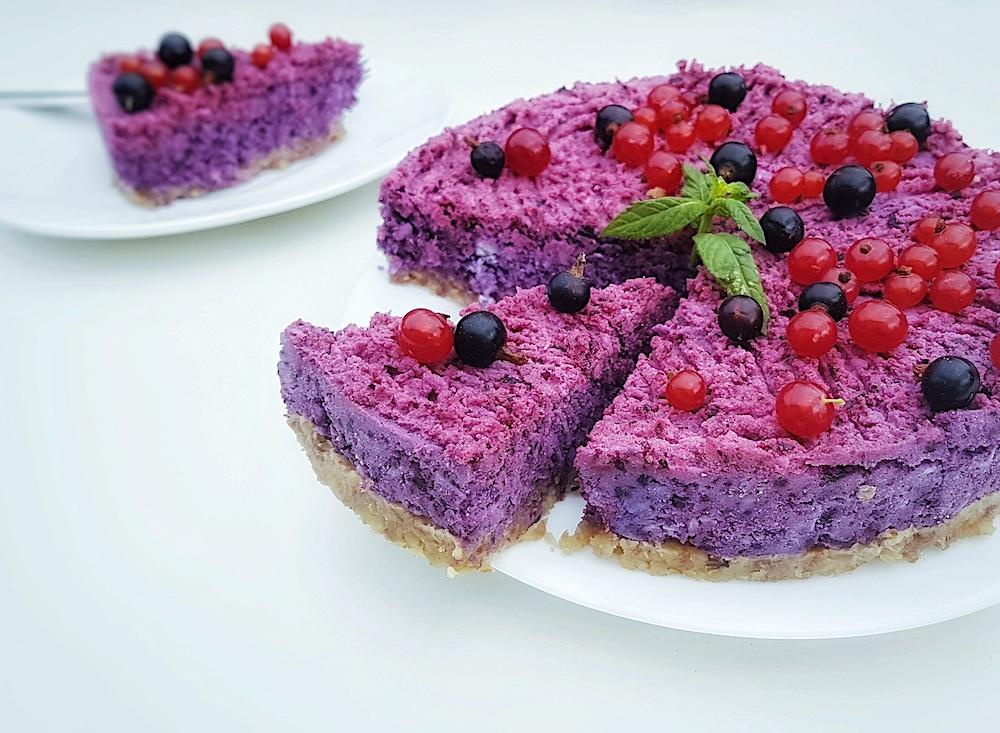 Letní borůvkový raw dort bez cukru
